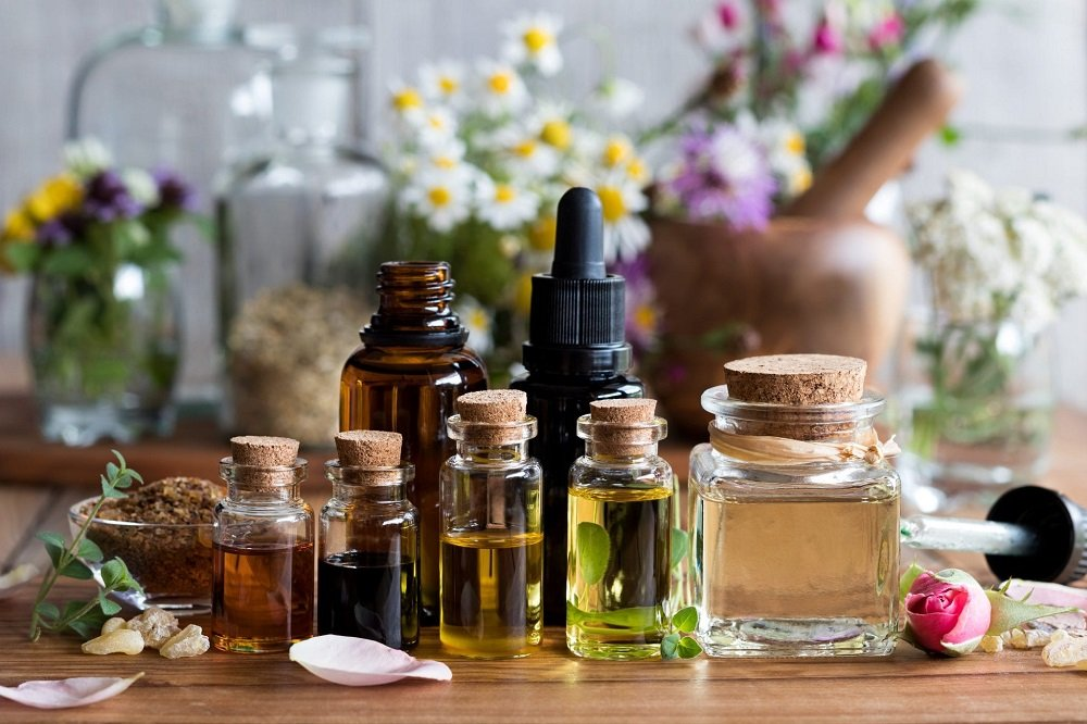 What is the Difference Between Essential Oils and Carrier Oils